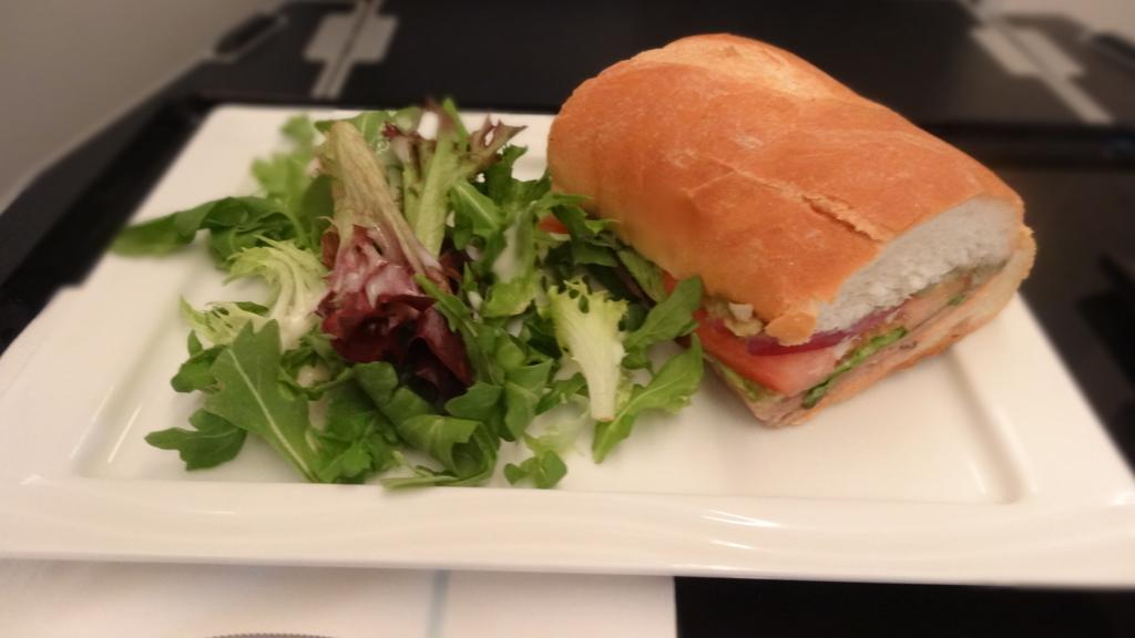 ANAビジネスクラス アラカルト サンドイッチ