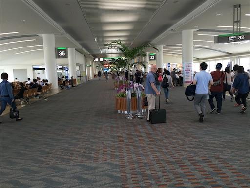 那覇空港の到着ゲート