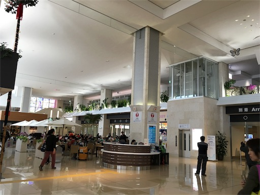 石垣空港のロビー