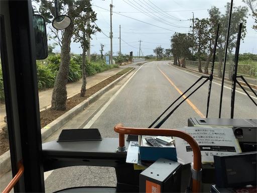 石垣空港からのバスの中