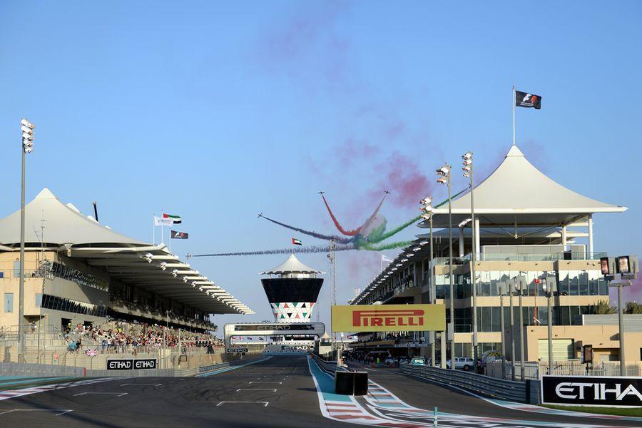 F1アブダビGP 航空ショー