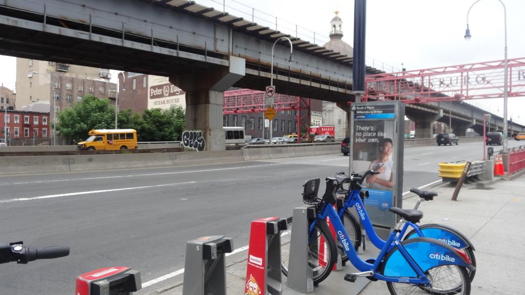 ウィリアムズバーグ橋 出口 シティバイク