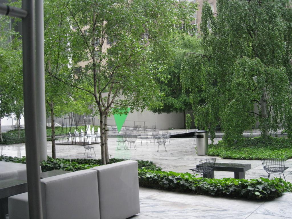 ニューヨーク ザ・モダン 中庭