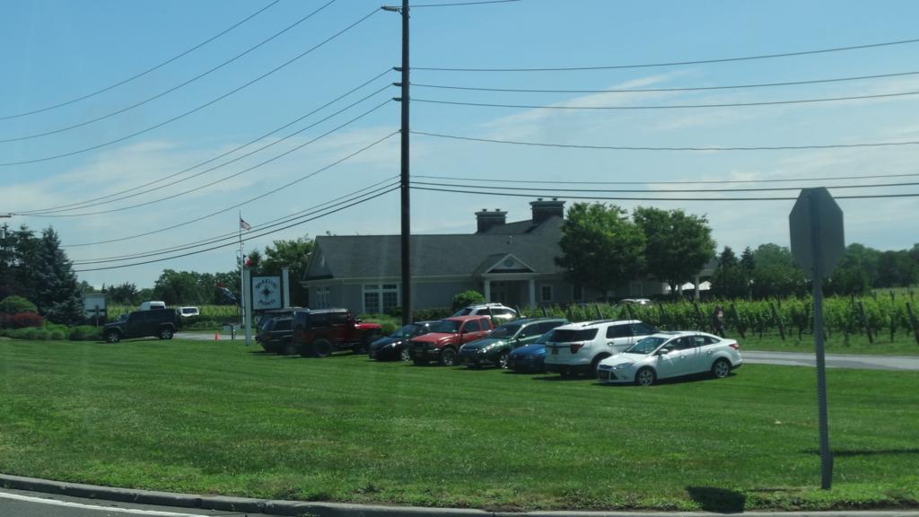 ロングアイランド スパークリングポイント 駐車場
