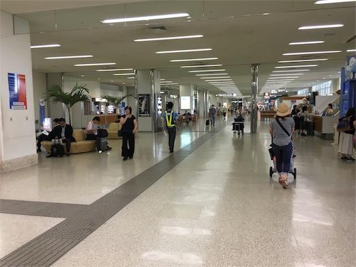 那覇空港の到着ロビー